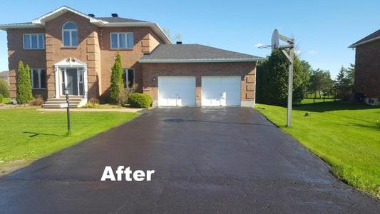 After RPM's driveway sealing services your driveway will look like new