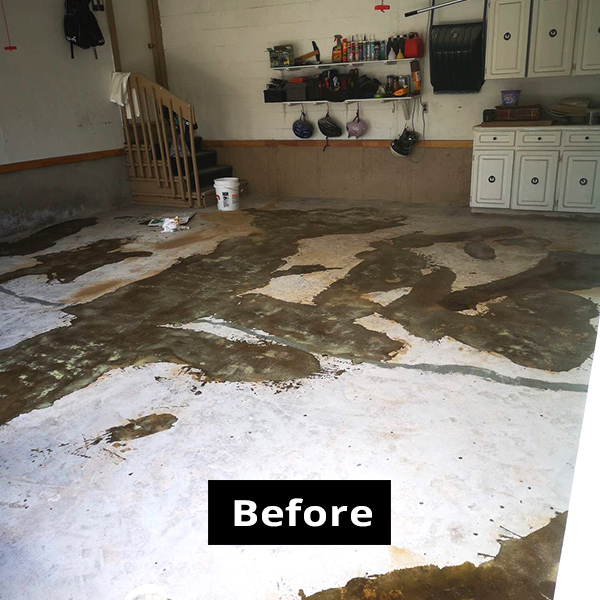 Garage photo 1 BEFORE using RPM garage flooring services in Ottawa